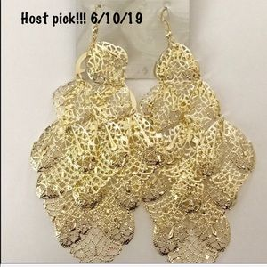 """Jewelry - *Moving Sale*HOST PIC 6"""" Shoulder Duster Earrings!"""